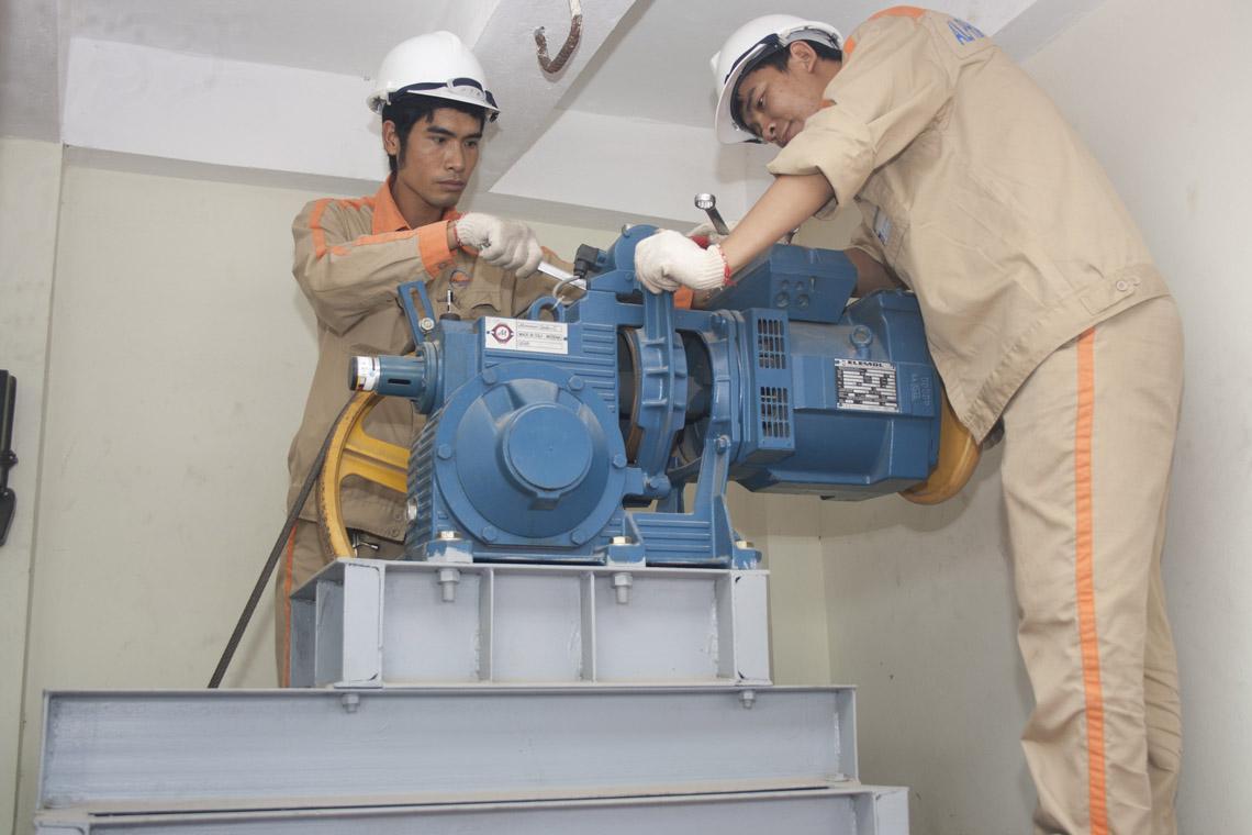 Thông tin về các bước bảo trì trang máy tải hàng mà không thể bỏ lỡ