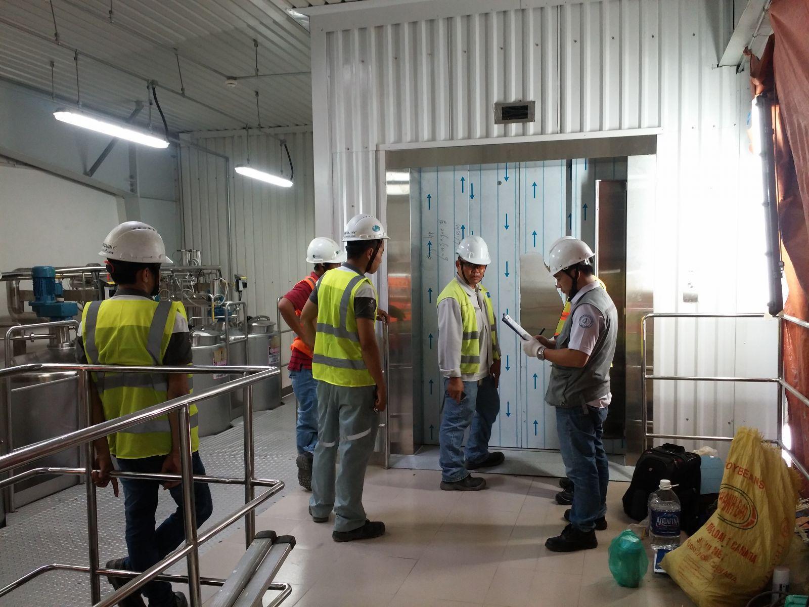 Chi phí bảo trì thang máy tải hàng  là bao nhiêu?