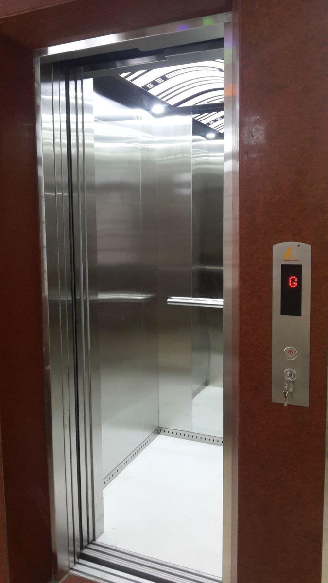 cabin thang máy tự động