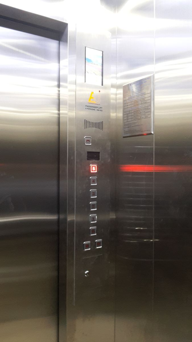Cabin LCD thang máy